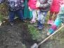 2018 Pokus 2. třída - zakopání odpadků na zahradě
